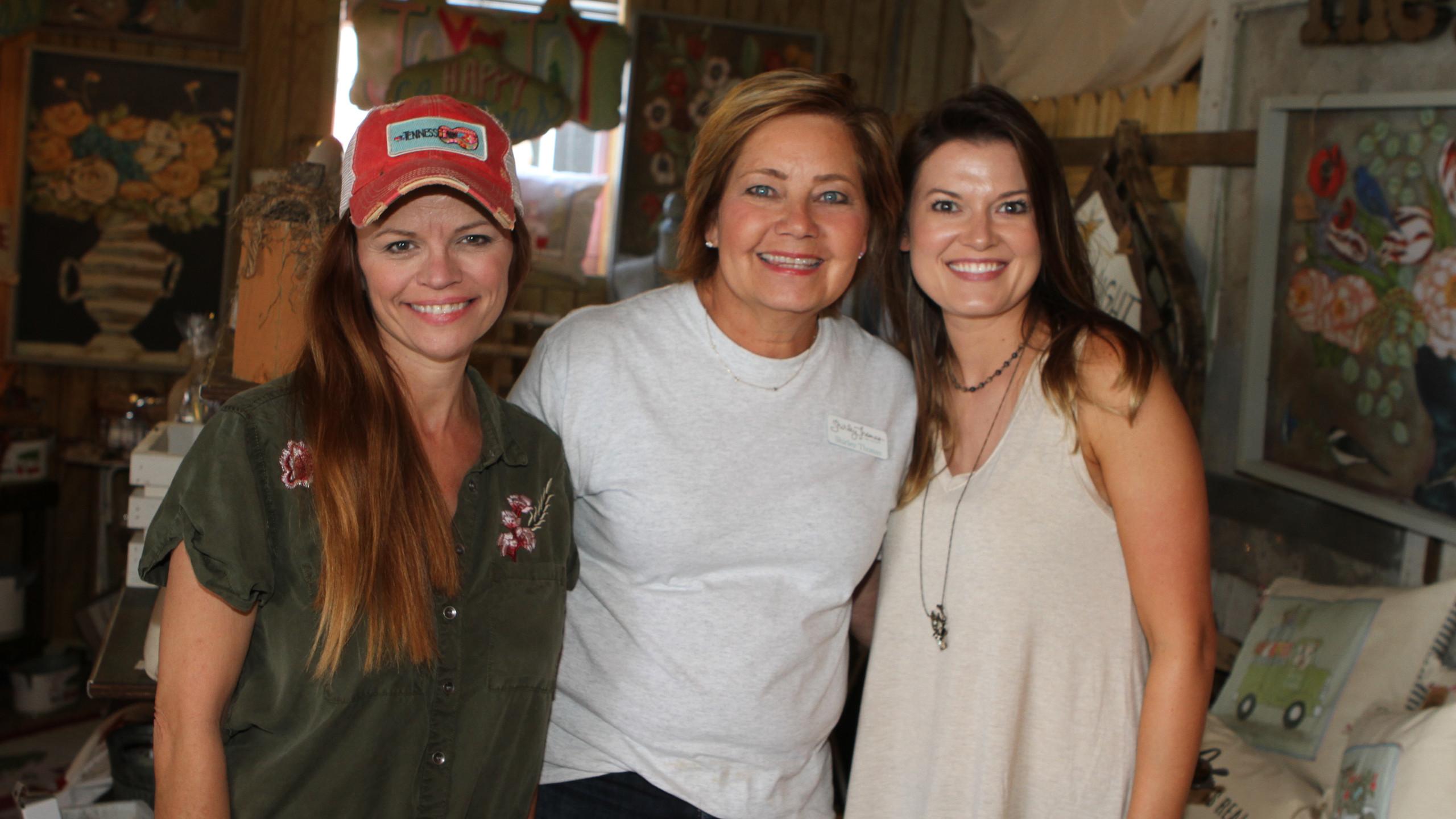 Kellie Montana, Shirley Thomas, Lisa She