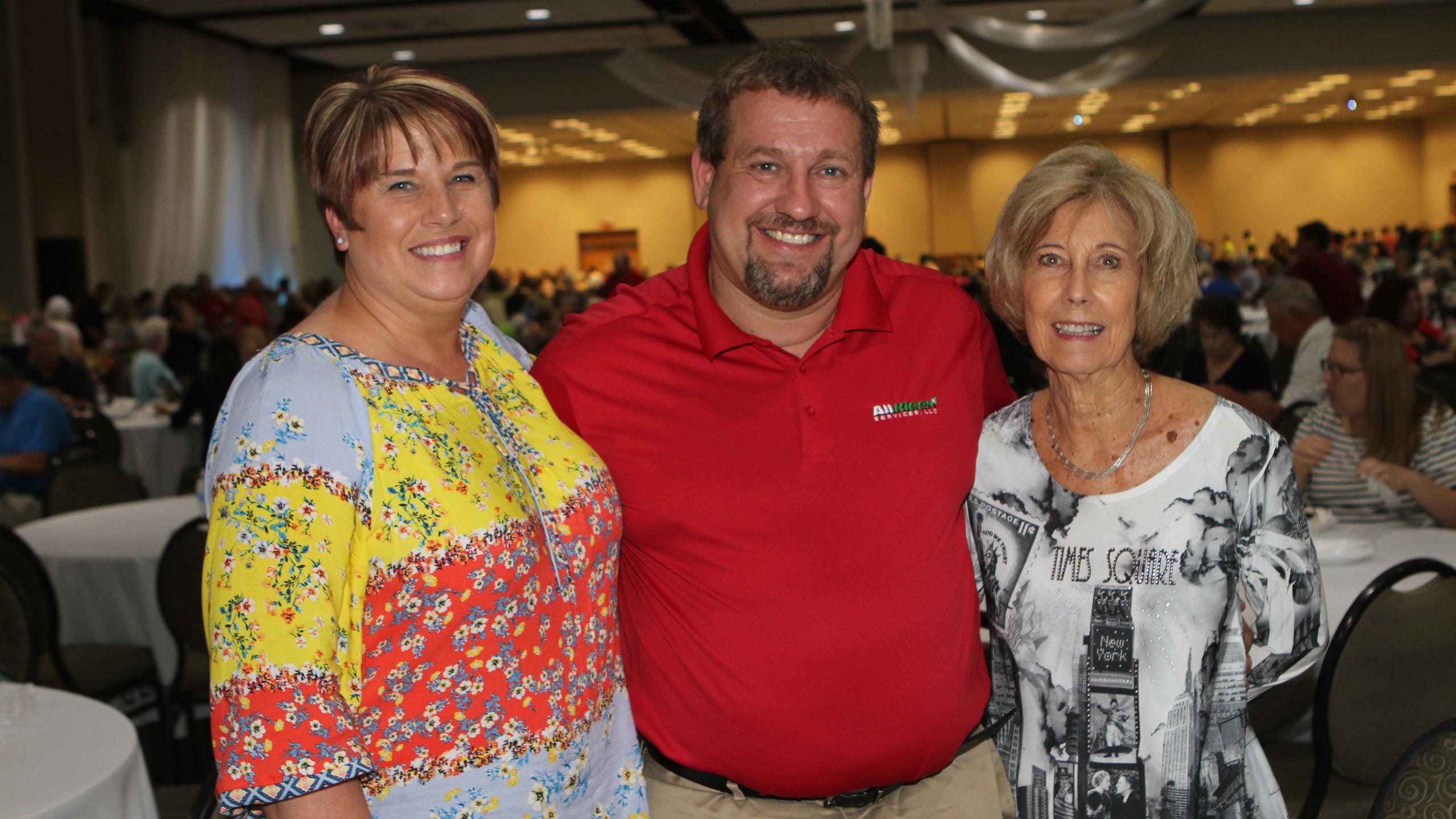 Lorie & Brad Wagoner, Nora Dunbar