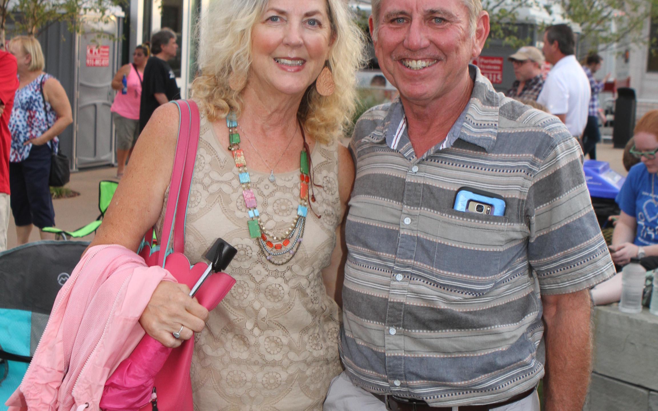Barbara Clan, Mike Dean