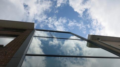 Glasgevel Reynaers Aluminium. Vinck heeft deze geplaatst in het centrum van Sint-Niklaas. (Foto 2)