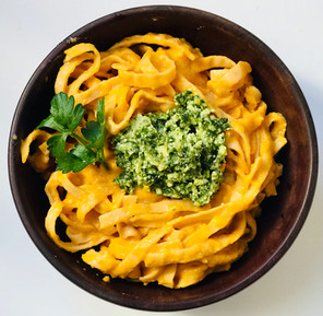 Creamy Carrot & Tomato Vegan (Pasta) Sauce