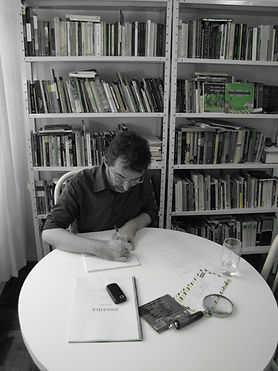Dennis Radünz escreve cópia de carta-crônica