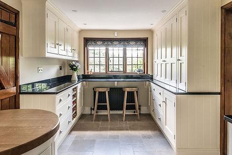country kitchen 2.jpg