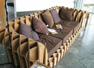 canapé en carton ajouré emboitement