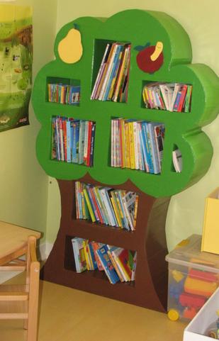 bibliothèque pommier carton chambre d'enfant