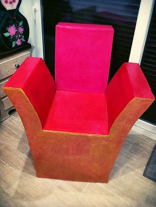 fauteuil rouge carton.jpg