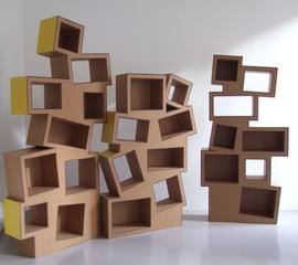 étagère ajourée stylisée carton