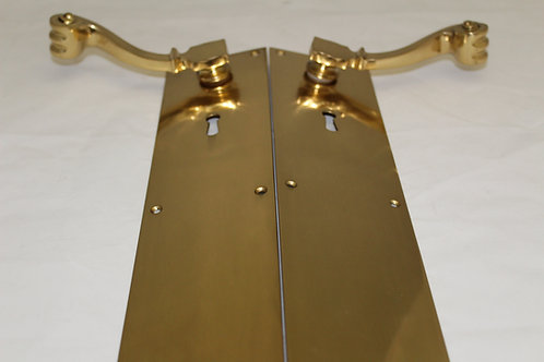 Brass door handle w/keyhole - K21