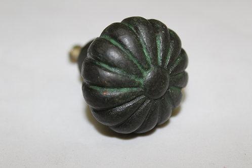 Antiquated iron flower knob - F16
