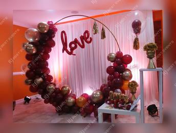 Circle of Love Balloon Decor  #bridalbouquet #bridesmaidbouquet #Babyshower #balloondecorator #balloons #weddingbackdrop #weddingdecorator #eventdecorator #weddingplanner #partyplanner #weddingdj #lighting #eventplanner #uniquedecoration #trendydecoration #balloonarch