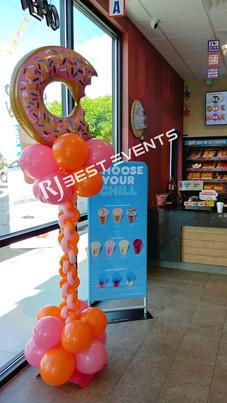 Designer balloon column  #bridalbouquet #bridesmaidbouquet #Babyshower #balloondecorator #balloons #weddingbackdrop #weddingdecorator #eventdecorator #weddingplanner #partyplanner #weddingdj #lighting #eventplanner #uniquedecoration #trendydecoration #balloonarch #ballooncolumn