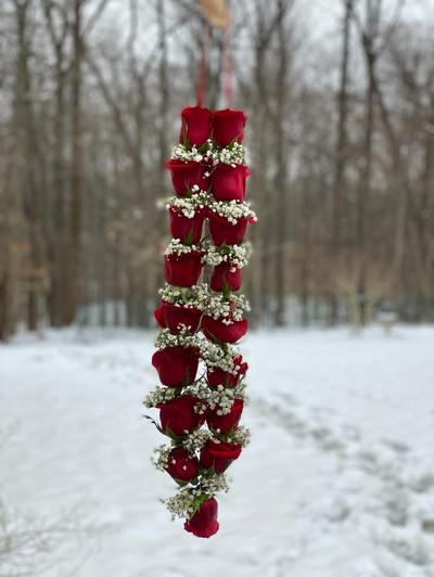 Fresh Rose Garland.jpeg