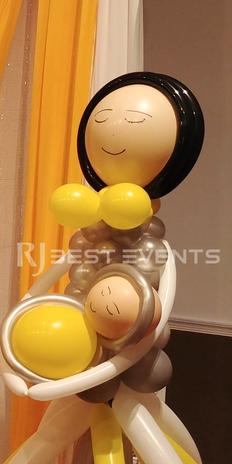 Design balloon column- Mom holding a baby