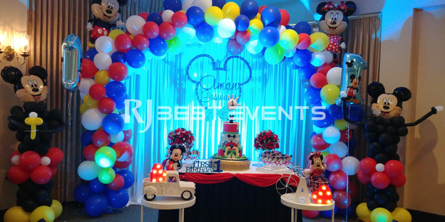 Disney themed balloon decor  #bridalbouquet #bridesmaidbouquet #Babyshower #balloondecorator #balloons #weddingbackdrop #weddingdecorator #eventdecorator #weddingplanner #partyplanner #weddingdj #lighting #eventplanner #uniquedecoration #trendydecoration #balloonarch #ballooncolumn #disney
