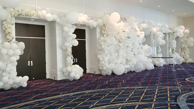 Balloon entrance gate with balloon cloud  #bridalbouquet #bridesmaidbouquet #Babyshower #balloondecorator #balloons #weddingbackdrop #weddingdecorator #eventdecorator #weddingplanner #partyplanner #weddingdj #lighting #eventplanner #uniquedecoration #trendydecoration #balloonarch