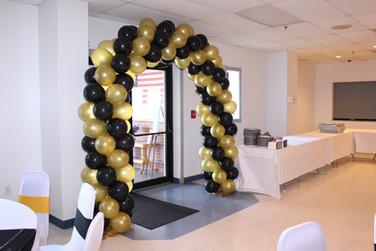 Black and Gold Balloon Arch  #bridalbouquet #bridesmaidbouquet #Babyshower #balloondecorator #balloons #weddingbackdrop #weddingdecorator #eventdecorator #weddingplanner #partyplanner #weddingdj #lighting #eventplanner #uniquedecoration #trendydecoration #balloonarch