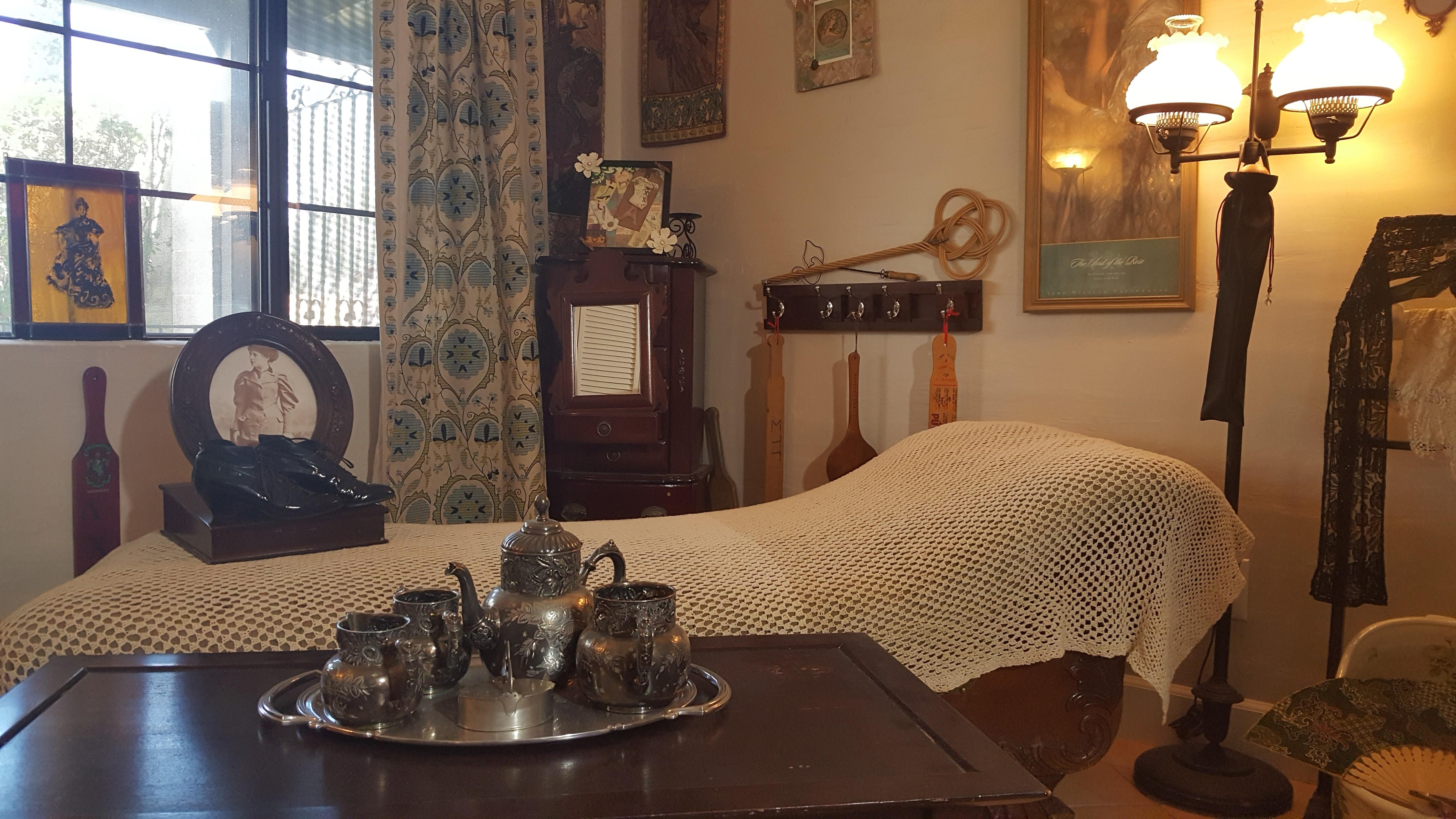 Vintage Room Victorian Corner