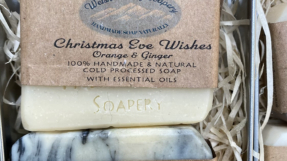 2 x soaps in Christmas selection box