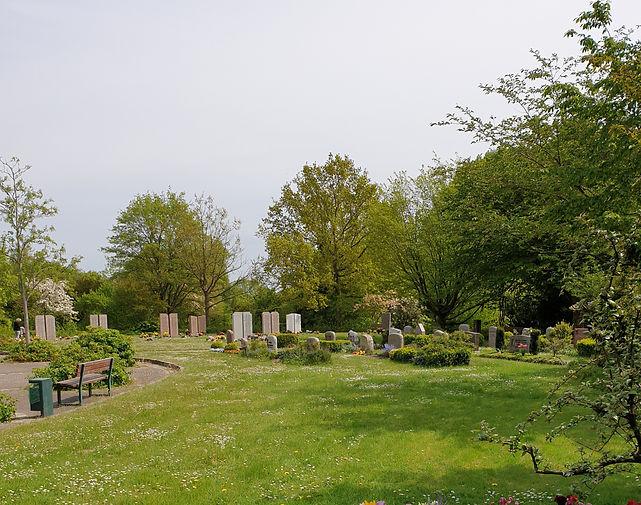 Friedhof Altenholz.jpg