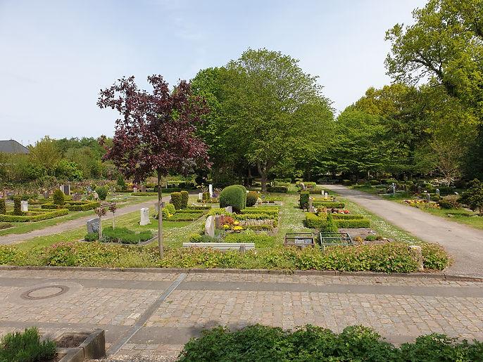 Friedhof Pries.jpg