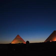 エジプト ギザのピラミッド.jpg
