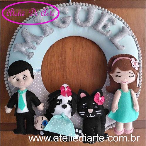 Decoração para o quarto do bebê Guirlanda família feliz