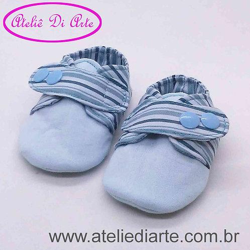 Sapatinho de bebe masculino listrado azul