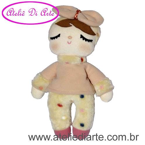 Boneca artesanal tipo Metoo Doll Sweet Dreams salmão