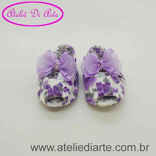 Sapatinho de bebê feminino lilás e branco