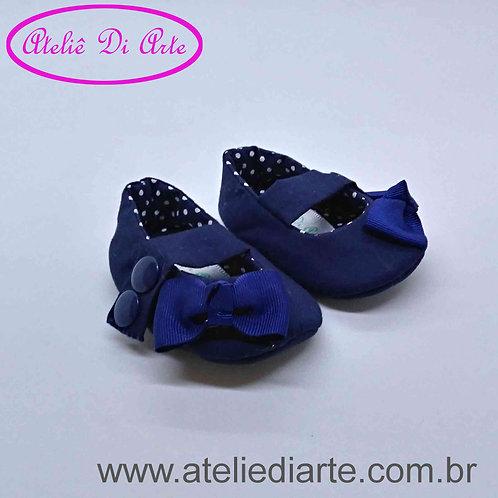 Sapatinho de bebê feminino azul de lacinho