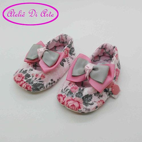 Sapatinho de bebê feminino laço rosa e cinza