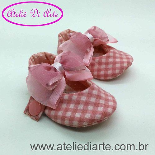 Sapatinho de bebê feminino rosa com lacinho