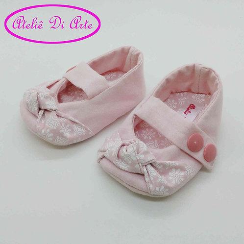Sapatinho de bebê feminino rosa clarinho