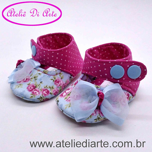 Sapatinho de bebê feminino boneca azul florido