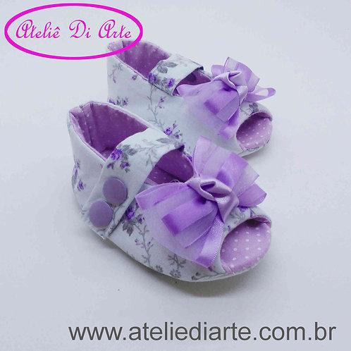 Sapatinho de bebê feminino peep toe branco