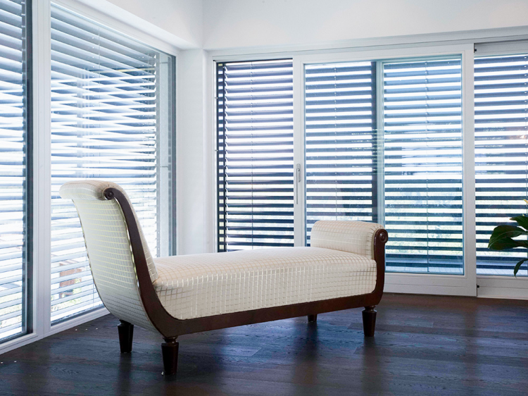 Hella Venitian Blinds