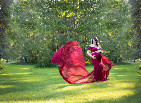 Saskatoon Maternity Photographer When to book a maternity session?