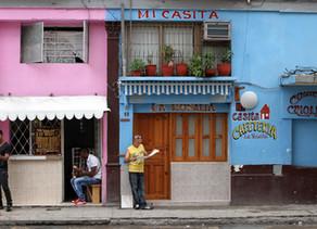 Una encuesta hecha en Cuba muestra que un 47 % no quiere partido único
