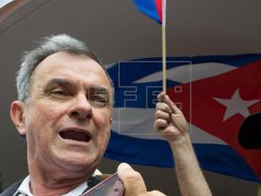 Líder del exilio cubano se enfrenta a deportación tras más de 50 años en país
