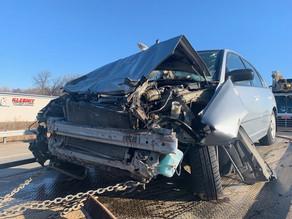 Accidente con bus escolar sobre el I-70