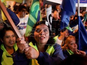 Más de 100.000 ecuatorianos podrán votar desde EEUU en consulta popular del 4 de febrero.