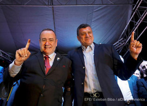 Alejandro Giammattei descansa después de ser elegido presidente de Guatemala