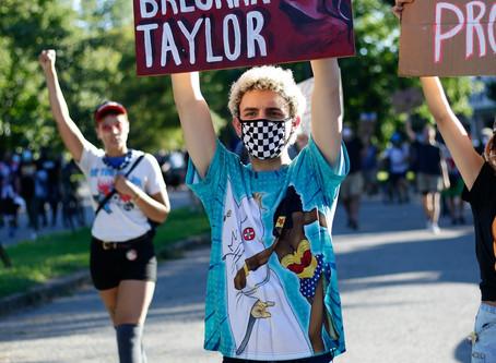 Sin justicia no hay derby, gritan manifestantes durante el inusual Derby 146.