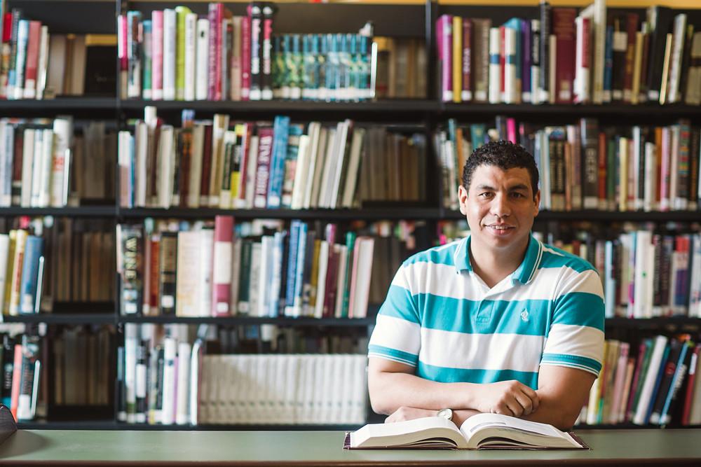 Miguel Granado, estudiante de computación de Sullivan University.