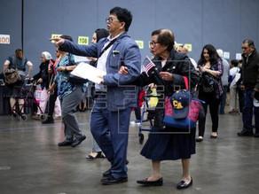 El Gobierno cierra las oficinas de Inmigración y paraliza asilos y ciudadanía