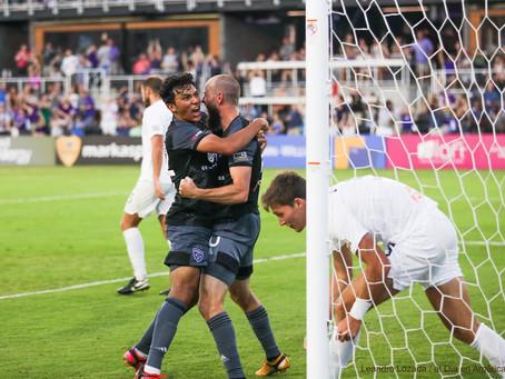 Morados entregan goleada a la audiencia en reapertura del estadio