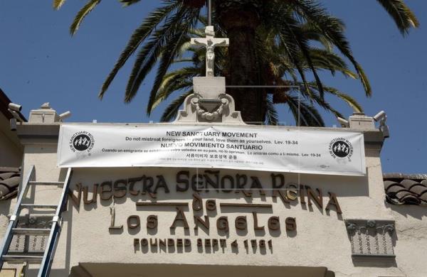 La Iglesia de Nuestra Señora Reina de Los Angeles, situada en la tradicional Plaza Olvera, es una de las iglesias del país que se ha unido al movimiento santuario. EFE/Archivo.