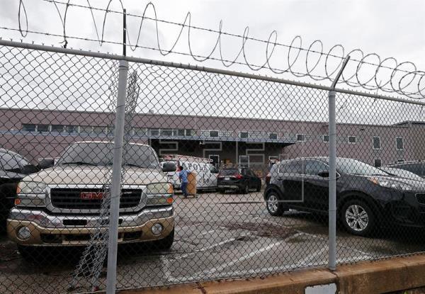 Vista general del almacén que originalmente fue elegido para albergar a niños inmigrantes no acompañados en Houston (EE.UU.). EFE