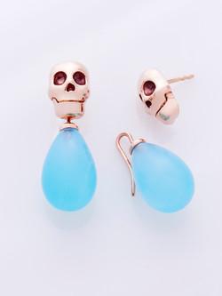 LINA BAUMGARTEN Skull chalcedon sea-blue earrings