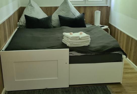 Schlafzimmer 2 - Bett ausgezogen